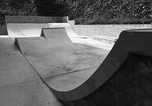 BACKYARD CONCRETE SKATEPARK